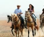 ברוך ונעה רוכבים על פארקרא וזואי